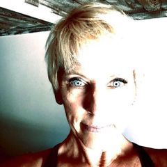 Annette La F.