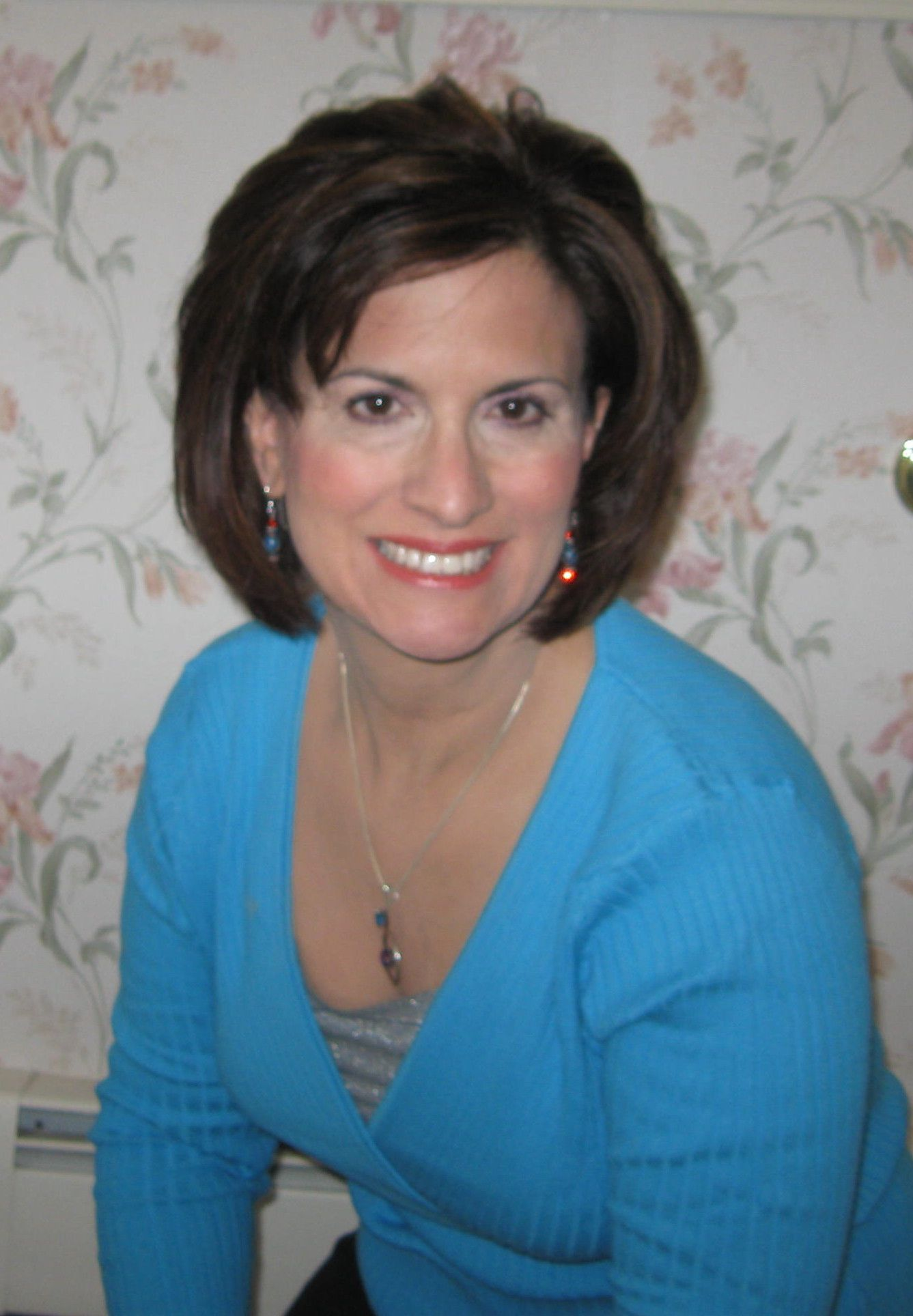 new fairfield jewish girl personals Single jewish female help i can't find an emotionally mature, ambitious guy who's ready to commit to marriage by rebbetzin feige twerski dear rebbetzin feige, i'm a single jewish 30-something woman looking for my soul mate and for the life of me i cannot find a solid jewish mensch who, i hate to say it, is emotionally mature.