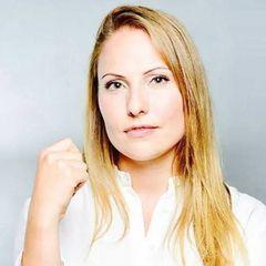 Maria-Katharina R.
