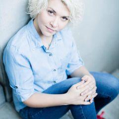 Viktoria M.
