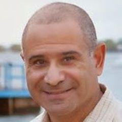 Dr. Mario G.