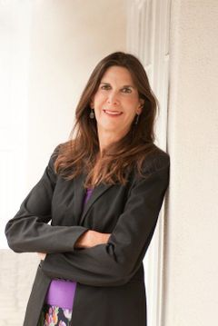 Lisa R M.