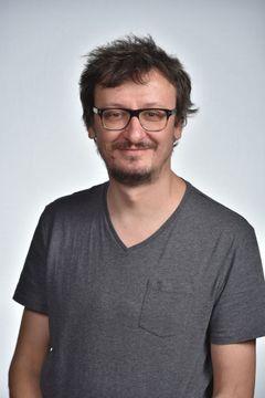 Viktor F.