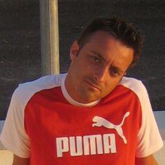 Marco De B.