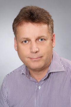 Jörg E.