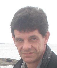 Stéphane J.