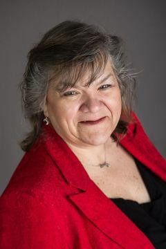 Liz M R.
