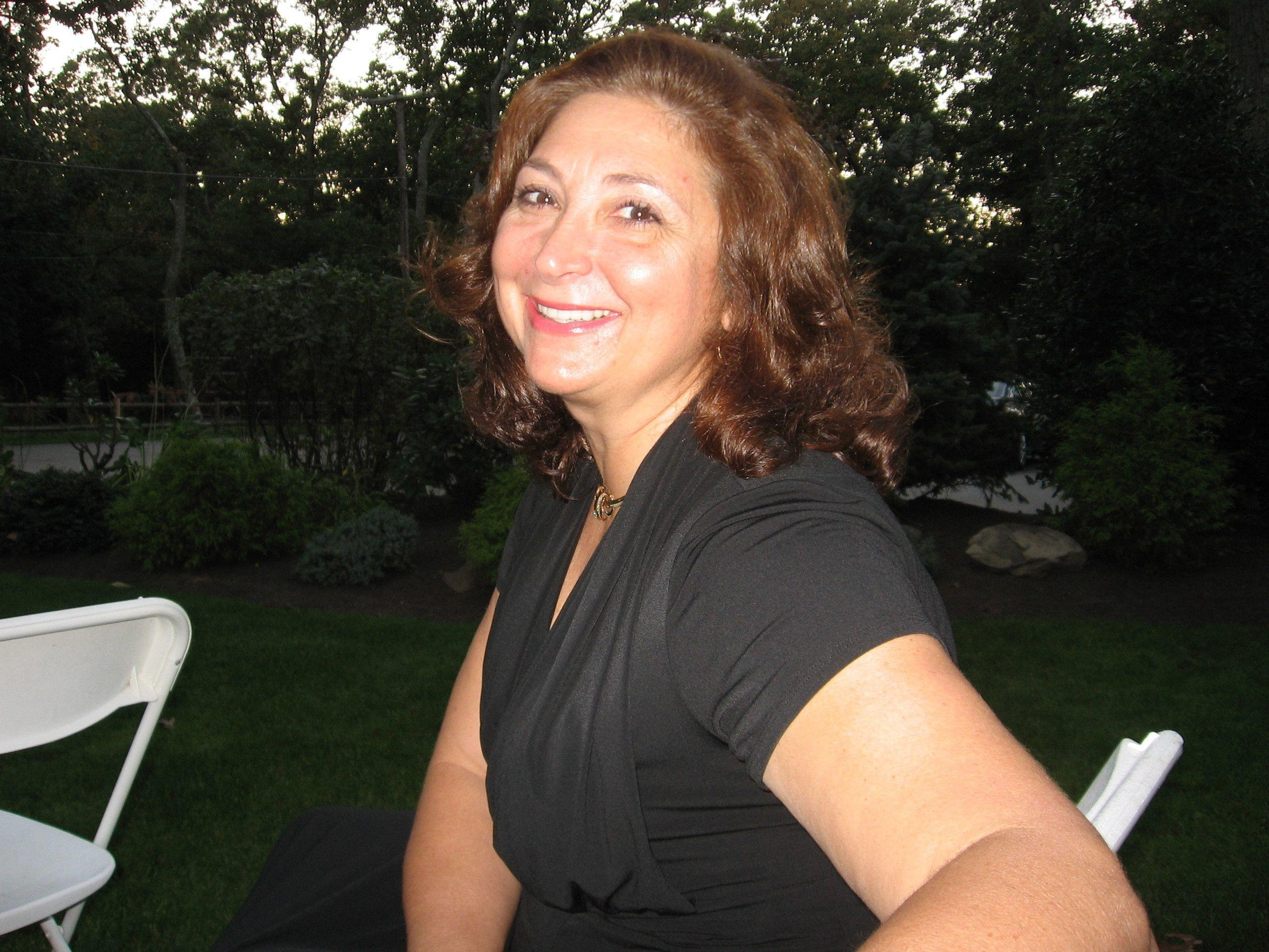 meet leland singles Search for local senior singles  i'm a sweet, sincere southern lady who thoroughly enjoys meeting new people and treasuring the  meet senior singles in your.