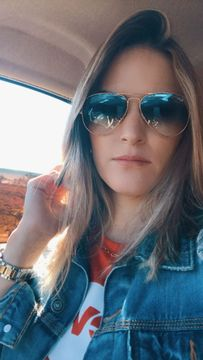 Júlia M.