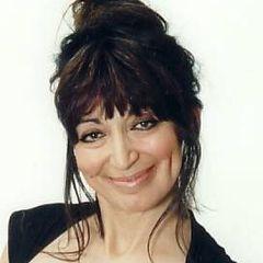 Viviane S.