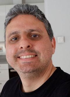 Alessandro L.