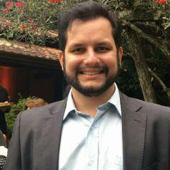 Vitor Luiz R.