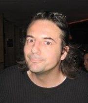 Renaud V.