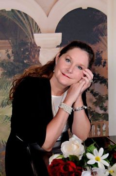 Chrissy L.