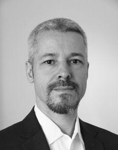 Andreas M B.