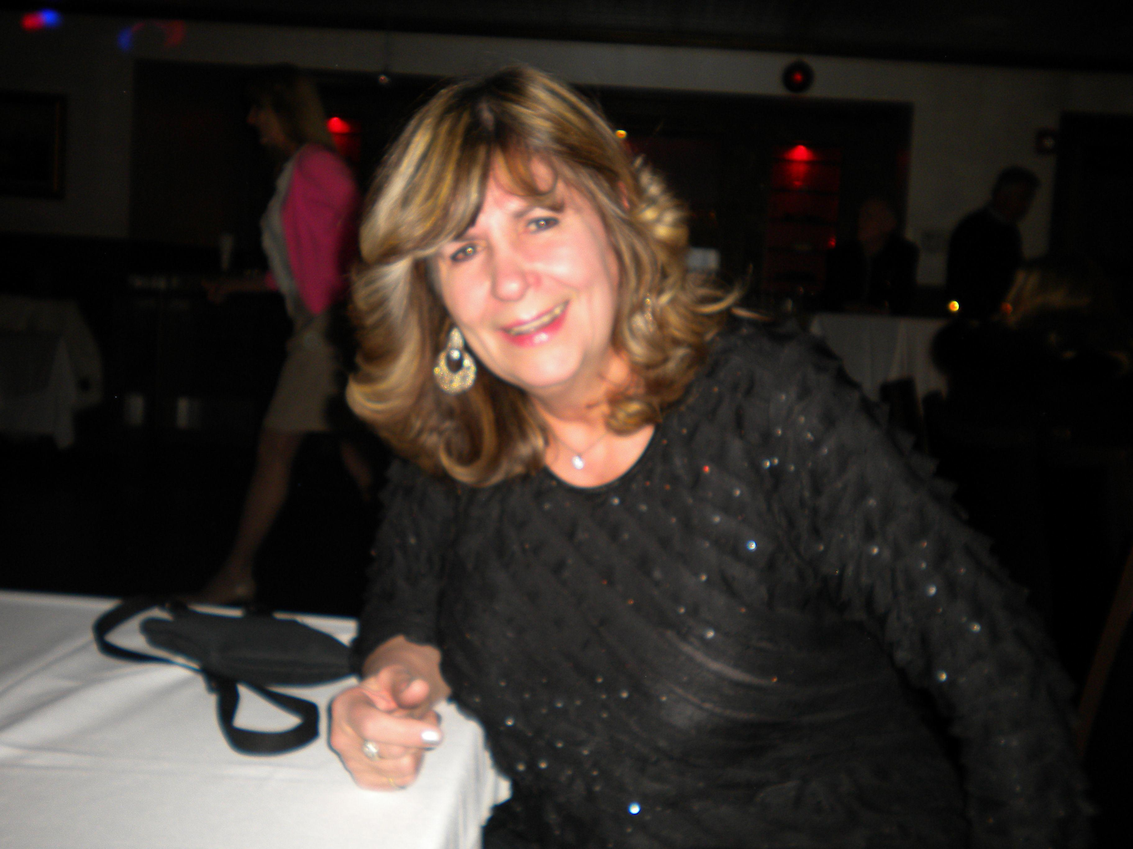 meet gail singles At our speed dating events you will discover it is a wonderful, fun, easy way to meet singles in one great evening  learn more about 7 in heaven and how we got .