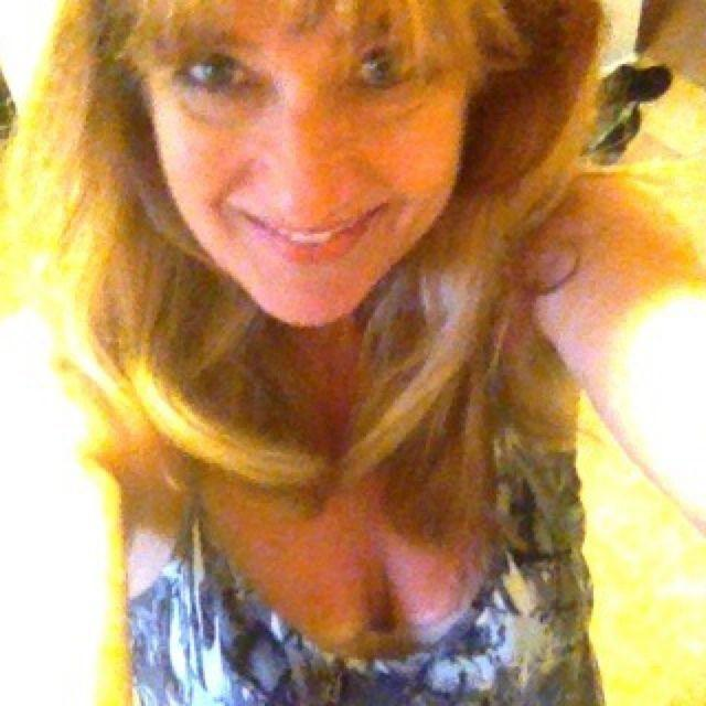 dedham single women Dedham massachusetts, super outgoing, sarcastic, love to have fun enjoy being outdoors, camping, the beach, drinks by the fire i'm up for anything and have fun no matter where i am.
