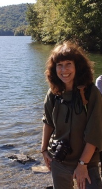 meet susan singles Welcome to susan alper connections where we match successful, interesting  and high quality singles with like-minded individuals  i take the time to meet  and really get to know each and every client my name is on the business so i  take it.