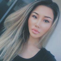 Vicky L.