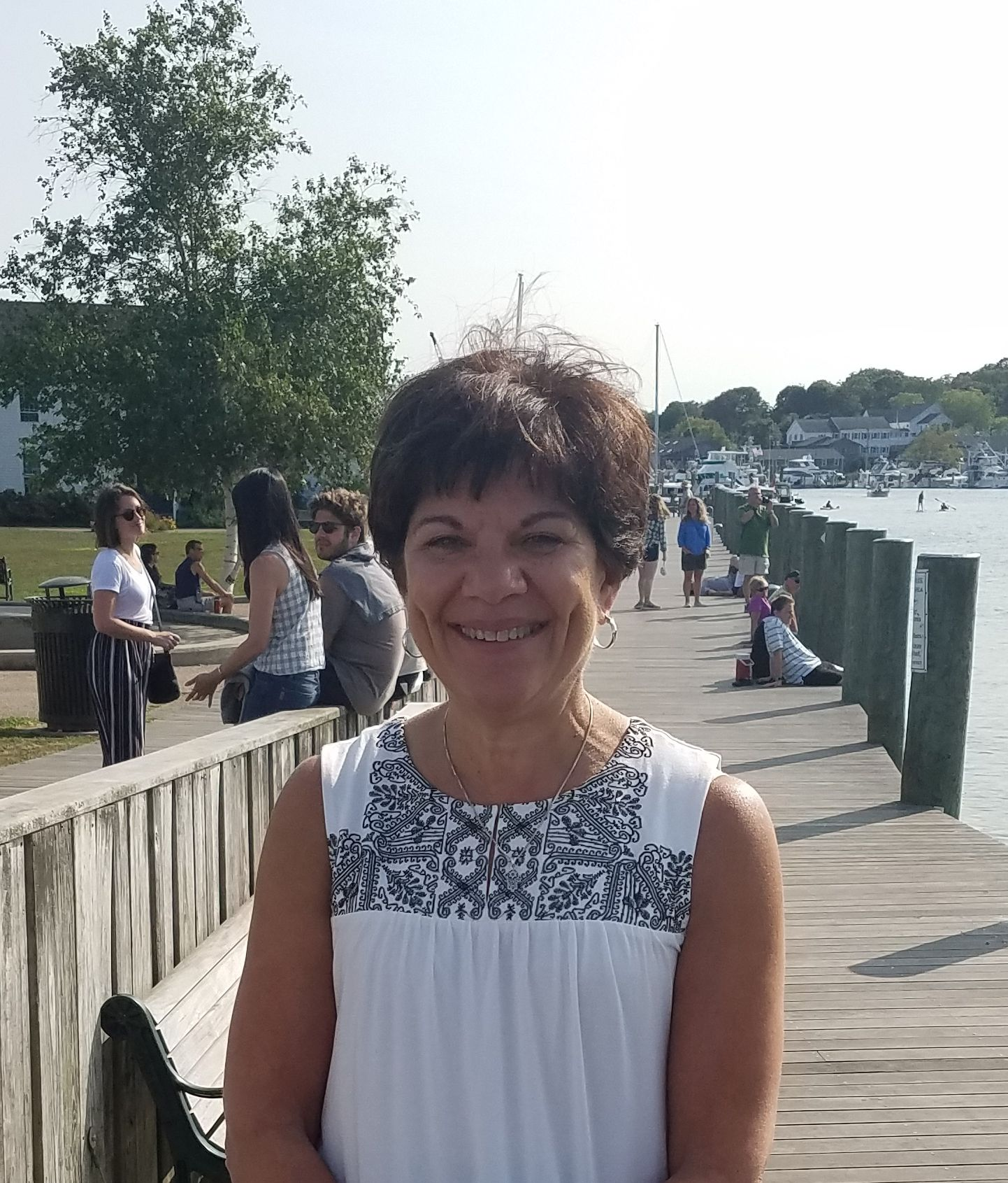 new hartford singles over 50 Milford dating coach ronnie ann ryan says there is no better way to meet men than online, especially for people over 50 teresa m pelham it seems the older men get, the less social they are.
