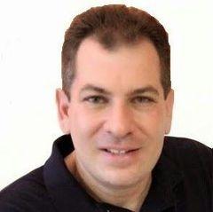Adriano Damas B.