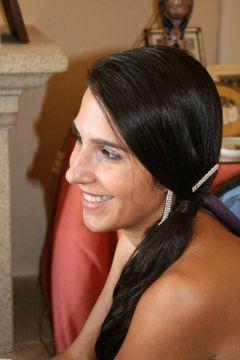 Cláudia B.