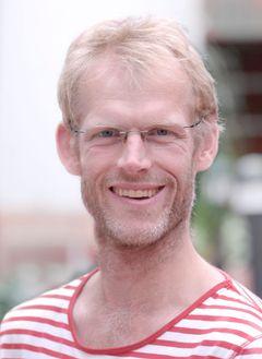 Lars T.