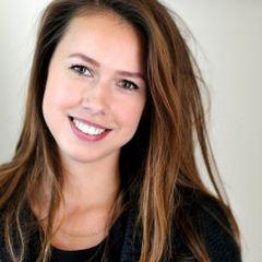 Suzanne van der V.