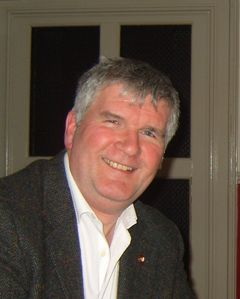 Ian M R.
