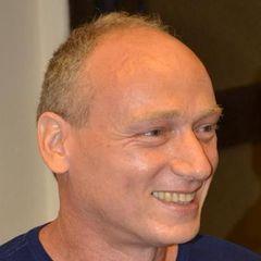 Yossi E.