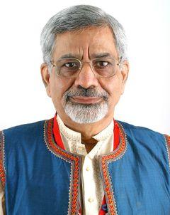 Dr.  L alit Mohan P.