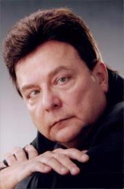 Harry L. b.