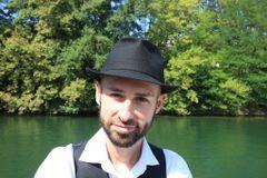 Sylvain R
