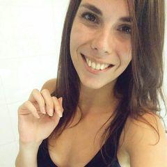 Victoria Martinez de la C.