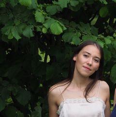 Anna Zur L.