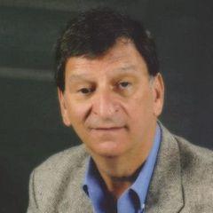 Vinnie De R.