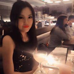 Yi Yi T.