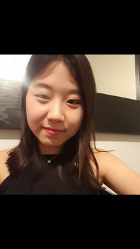 Yeonjin L.