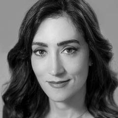Ana Elisa M.