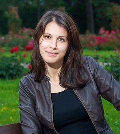 Elena Lacra D.