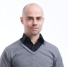 André E.