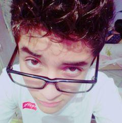Elías L.