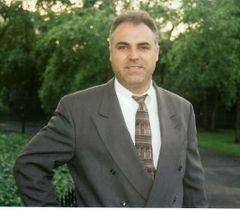 Stefan L.