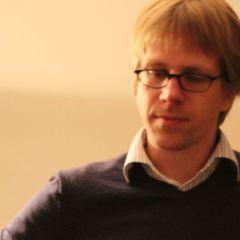 Jörn W.