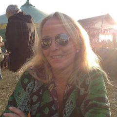 Sarah Lownds at Sarpenela n.