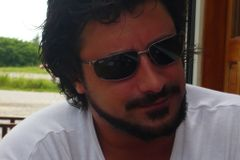 Santiago L.