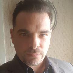 Yann M.