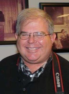 Tom De V.