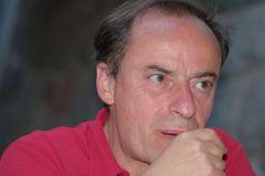 Julian R.