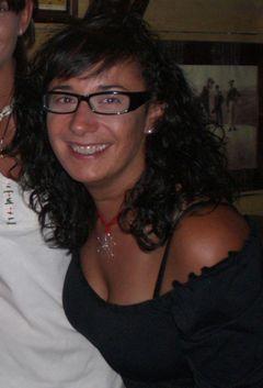 Ana Rioja (.